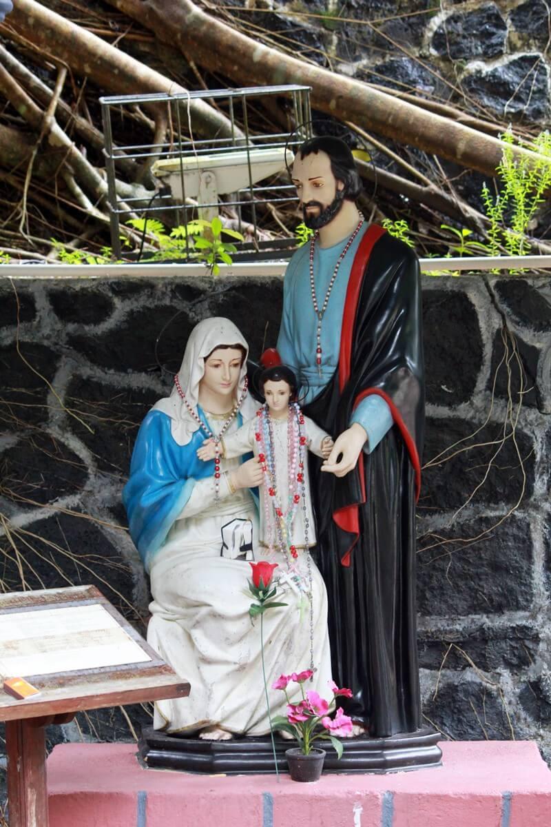 Di Gua Maria Pelindung Segala Bangsa Belinyu yang Sunyi dan Teduh