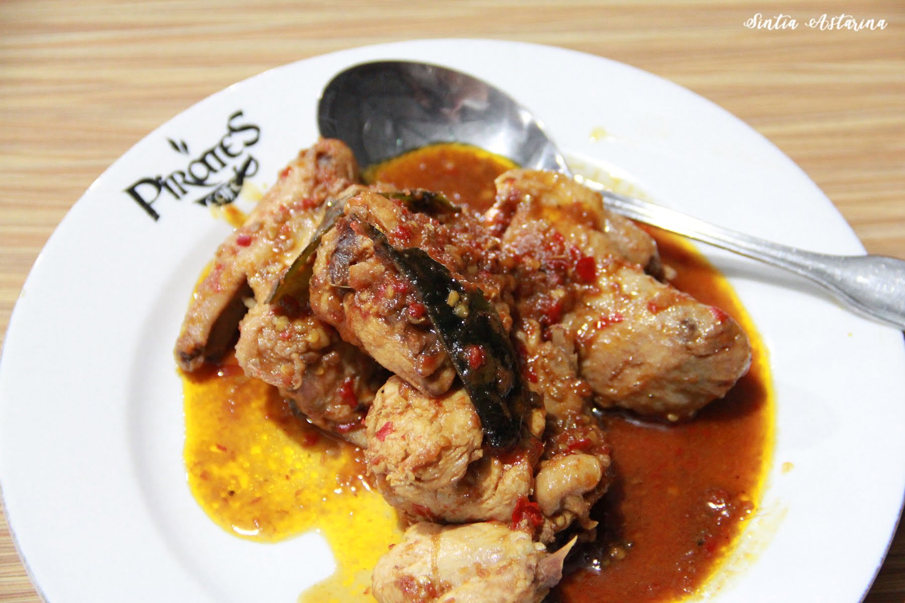 Ikan Bakar Rica, Menu Terfavorit di Pirates Cafe Manado