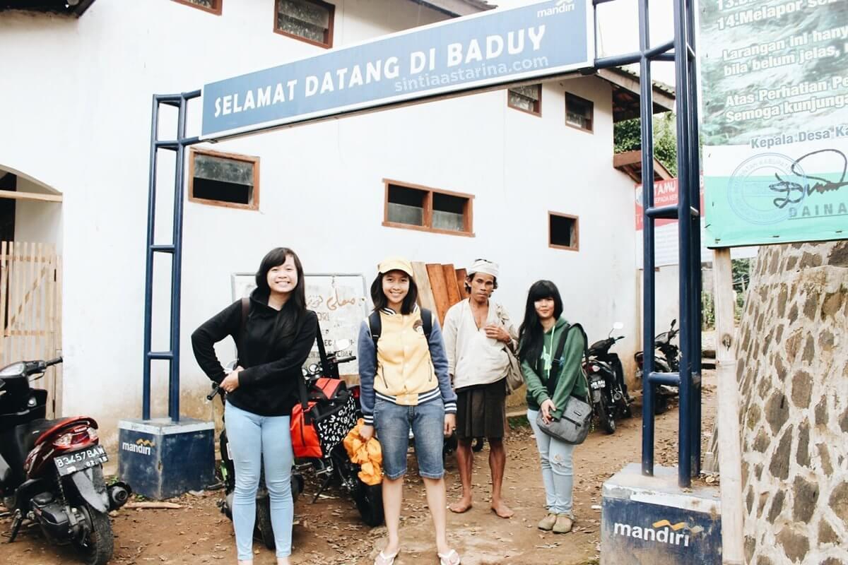 siap menjelajah budaya dan kearifan lokal masyarakat di desa kanekes.