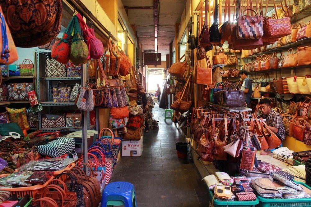 pasar beringharjo pusat oleh-oleh wisata jogja