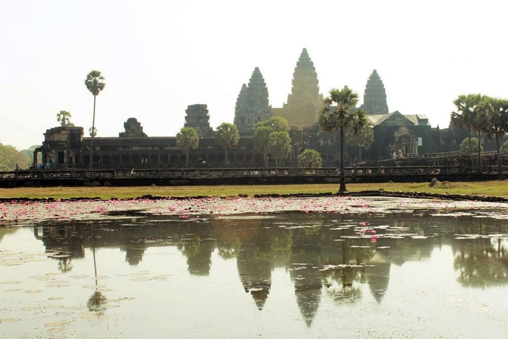 Menjelajahi Angkor Wat Hingga Lokasi Shooting Tomb Raider