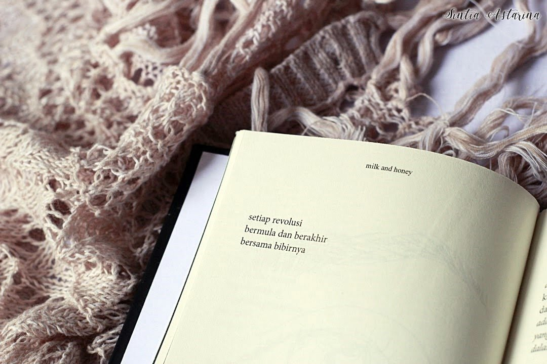 [BOOK REVIEW] Milk and Honey Versi Bahasa Indonesia (1)