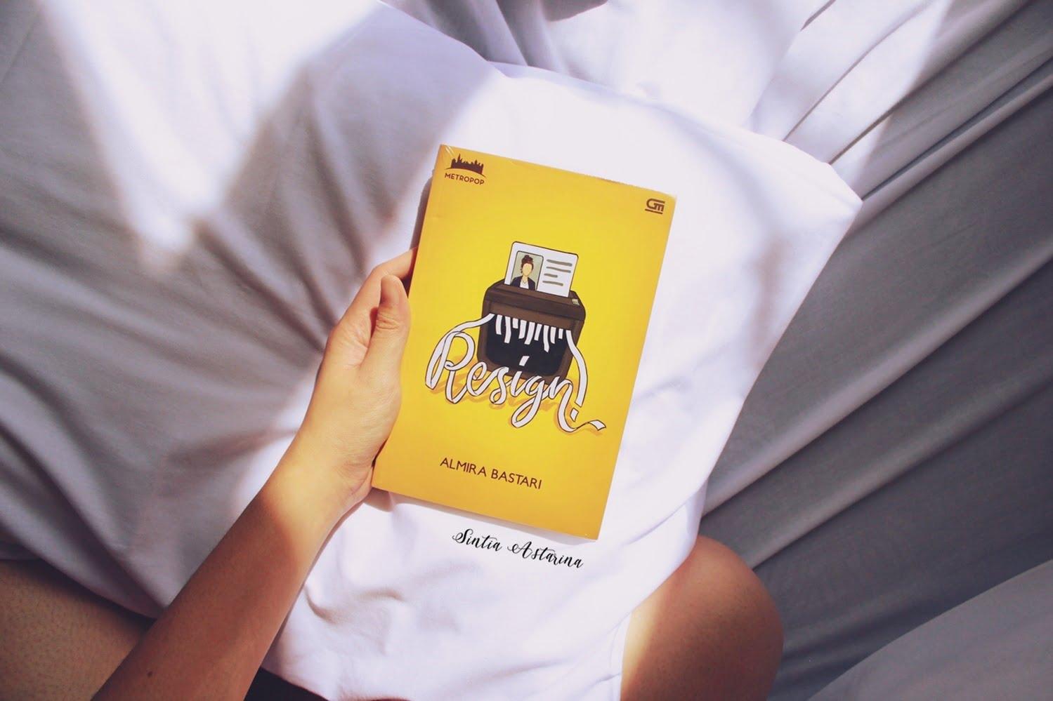 Pengalaman Beli Buku di Grobmart untuk Pertama Kalinya - Almira Bastari