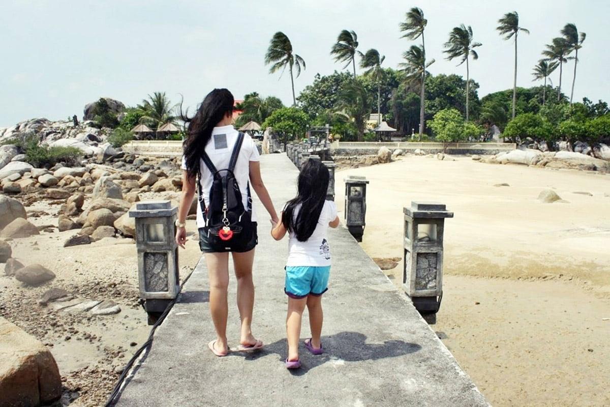 Enggak Pernah Bosan Main ke 7 Pantai Terindah di Bangka Ini - Pantai Parai Tenggiri