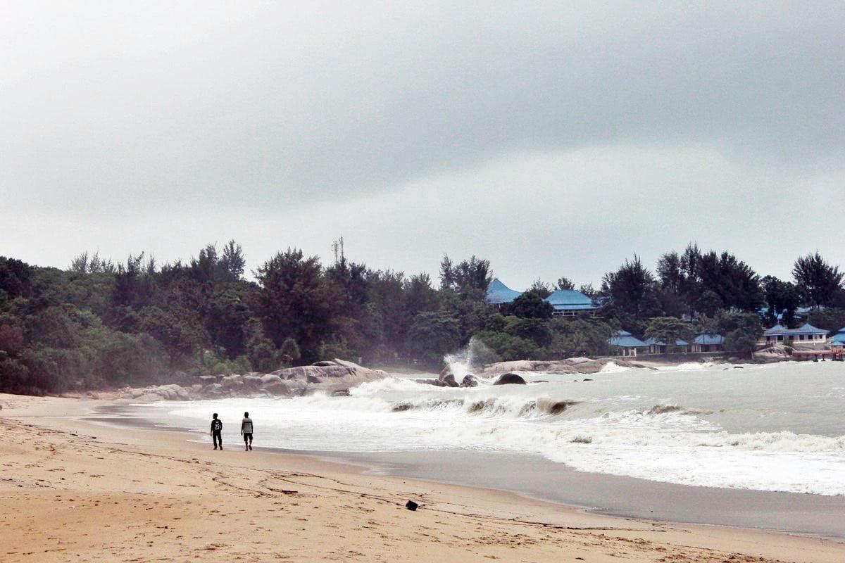 Enggak Pernah Bosan Main ke 7 Pantai Terindah di Bangka Ini - Pantai Tikus Emas