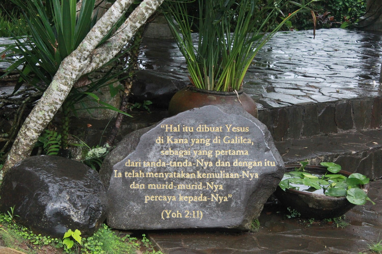 Menitipkan Doa di Gua Maria Kerep Ambarawa, Semarang