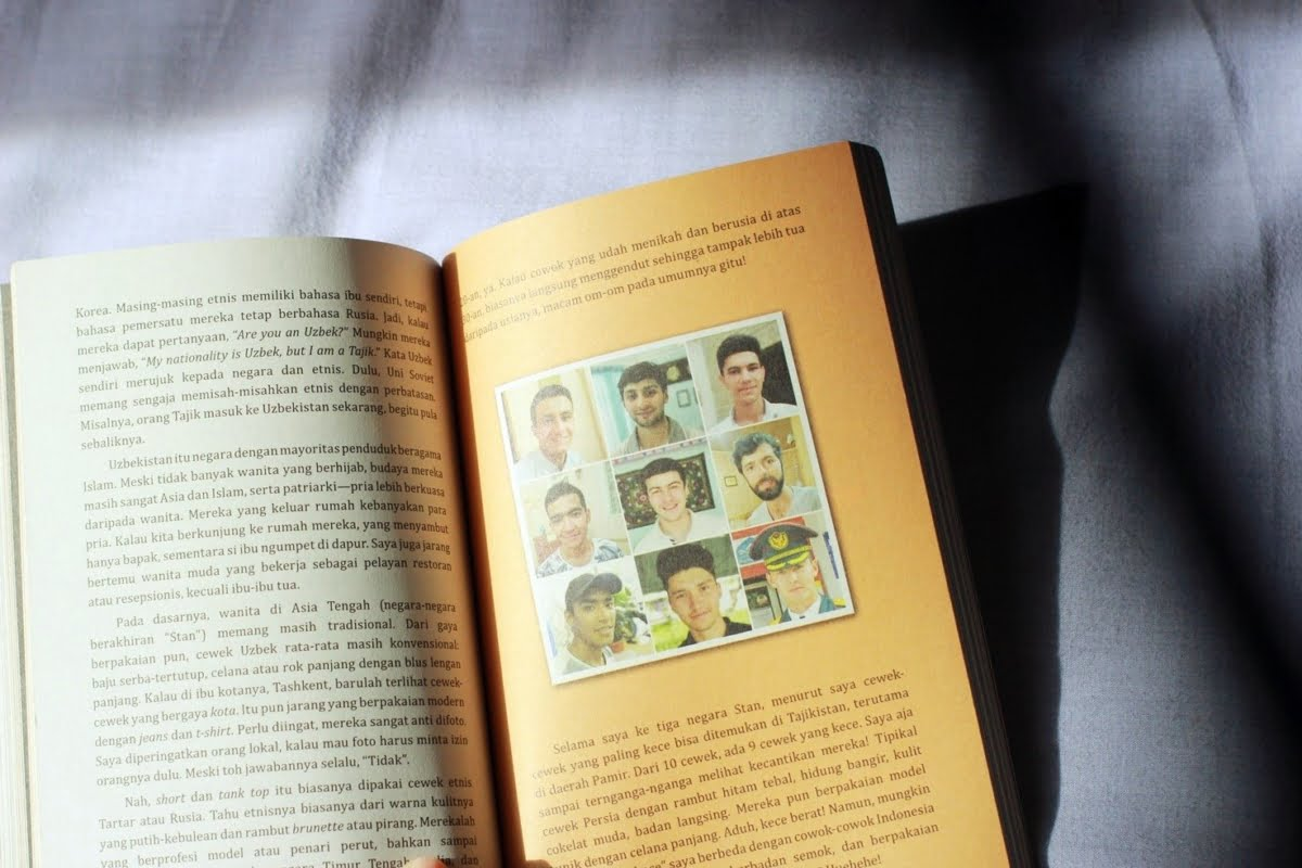 [BOOK REVIEW] The Naked Traveler 8