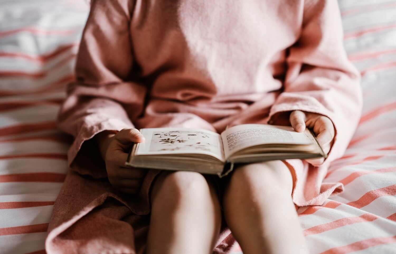 membangun kebiasaan membaca buku