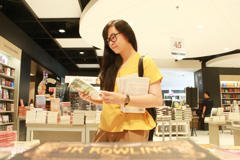 Pengalaman Belanja Buku di Gramedia World BSD Tangerang