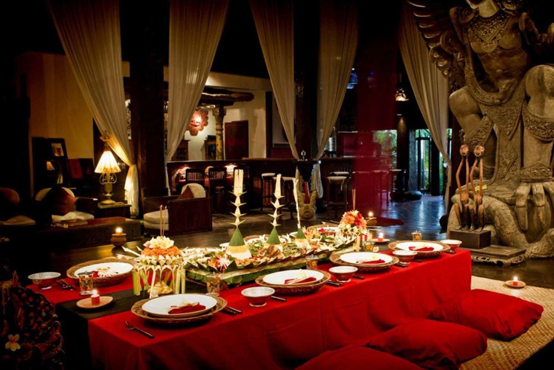 tempat makan romantis di bali - wantilan agung