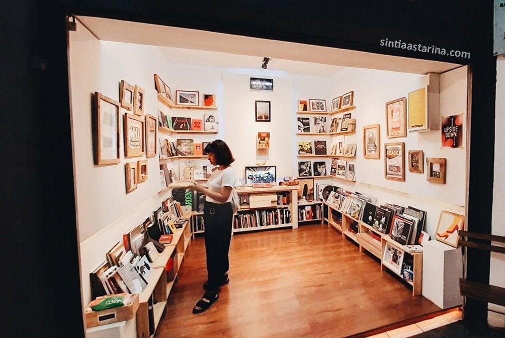 toko buku foto gueari galeri