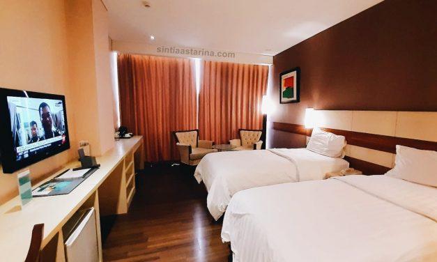 Parno Tidur Sendirian di Hotel California Bandung