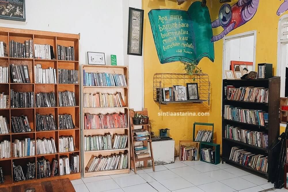 Mengejar Aan Mansyur Hingga ke Katakerja Makassar