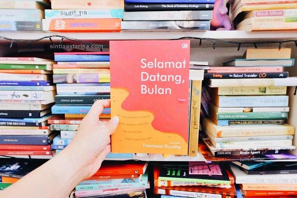 [BOOK REVIEW] Selamat Datang, Bulan Karya Theoresia Rumthe