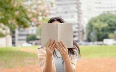 7 Manfaat Membaca Buku Bagi Siapa pun